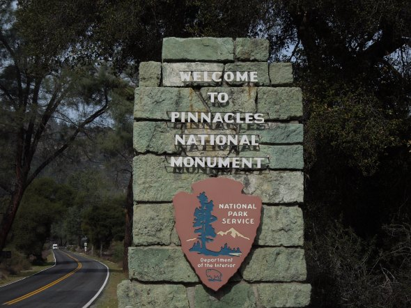 Pinnacles - sign