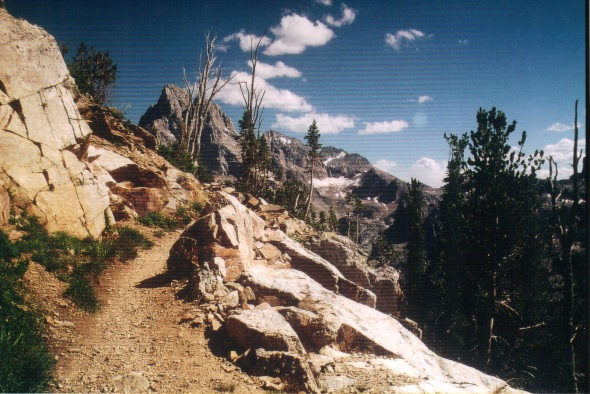Tetons - Paintbrush Divide - trail to Lake S.