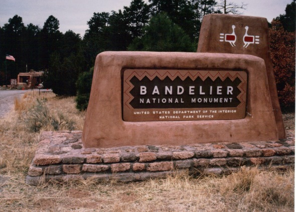 Bandelier 2000 - entrance sign