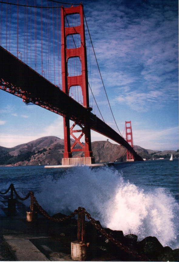 Fort Point - surf and GG Bridge